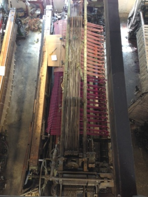 Loom from above showing cloth cut off