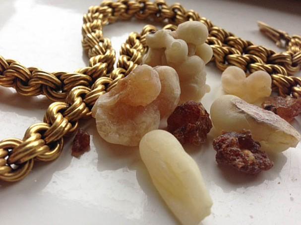 Gold, frankincense and myrrh (the dark grains)